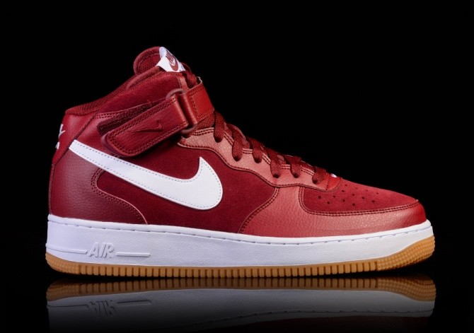 NIKE AIR FORCE 1 TEAM RED