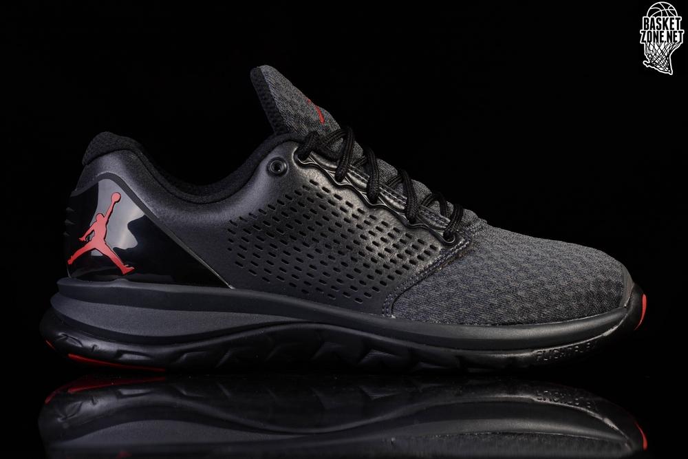Nike Zapatillas Air Max St, Color, Talla 2.5Y