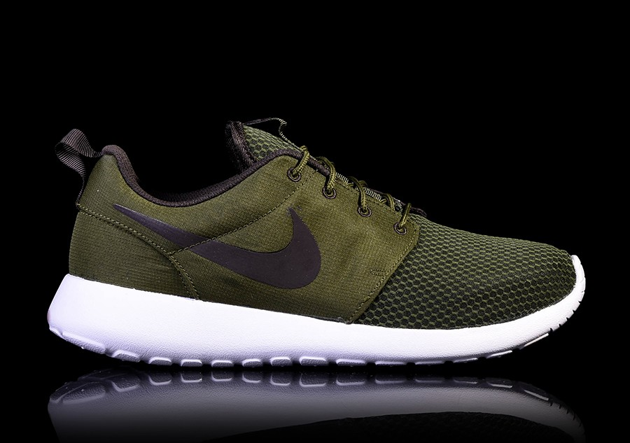 NIKE ROSHE ONE LEGION GREEN price €82.50  53944bbd9621