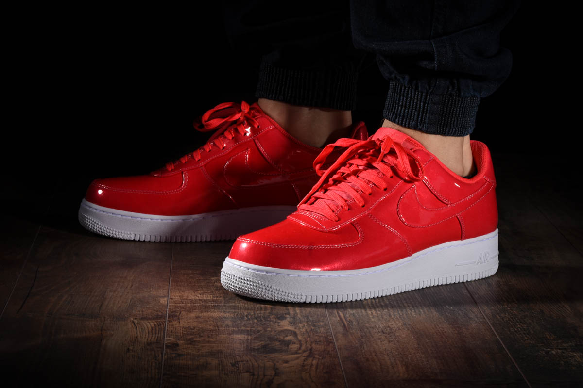 timeless design ac50a f91fe NIKE AIR FORCE 1  07 LV8 UV