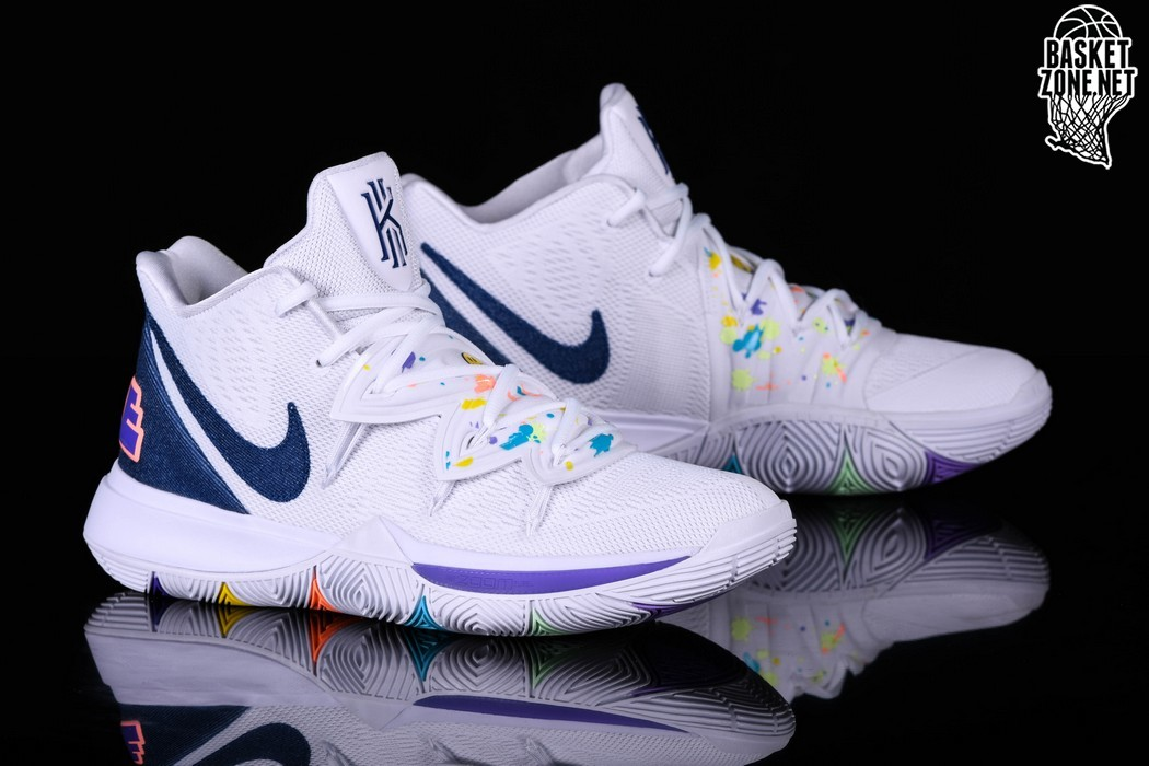 NIKE KYRIE 5 HAVE A NIKE DAY pour €127,50 |