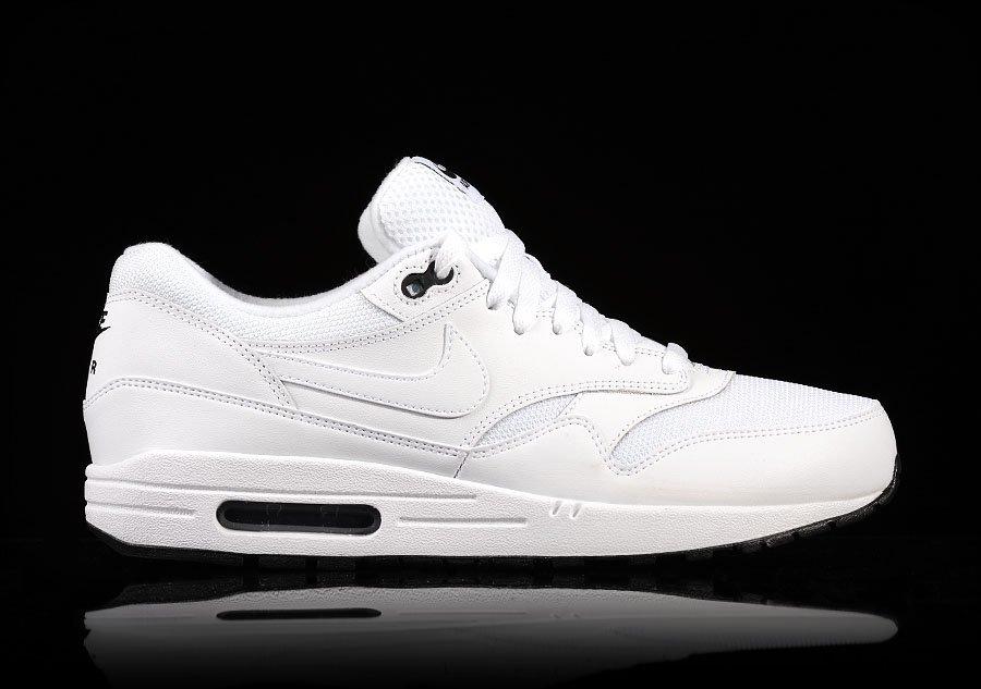 Nike Air Max Essential